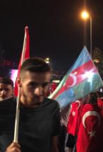 Güney Azərbaycan bayrağı ـ İstanbul